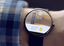 Android Wear ganha apps do Uber e Foursquare.