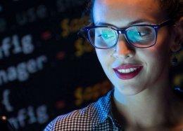 Hackathon só para mulheres mostra a importância feminina na tecnologia.