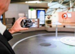 Google lança tecnologia de realidade aumentada para comprar carro pelo celular.