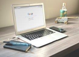 Google testa mudança radical e muda cor dos resultados de busca