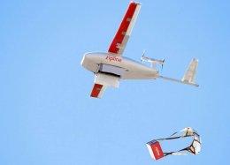 Marinha dos EUA testa drone para entrega de remédios.
