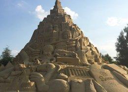 Maior castelo de areia do mundo entra para o Guinness