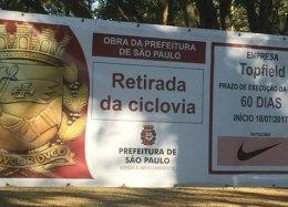 Placa dá a entender que Nike patrocinou retirada de ciclovia no Ibirapuera