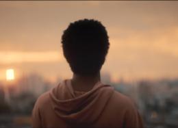 """A C&A Studios apresenta """"Nascido Homem"""", o novo filme do diretor Manuel Nogueira, contando a história de um homem em duas fases da vida."""
