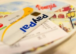PayPal lança cartão pré-pago no Brasil para compras internacionais.