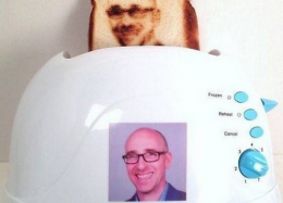 Impressão de selfies no pão.