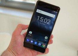 Nokia busca parceria com Google para desenvolver smartphones Android.