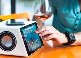 Caixa de som Aivia tem tela touchscreen, apps Android e comando de voz