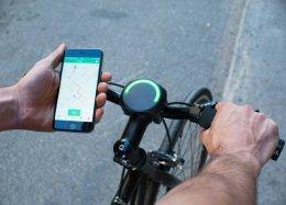 Gadget smart para bikes funciona como GPS, medidor de calorias e lanterna.
