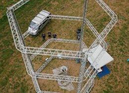Com mais de 12 metros, maior impressora 3D do mundo vai construir casas inteiras.
