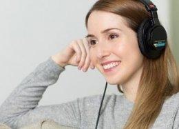 Fones de ouvido permitem controlar smartphone usando expressões faciais.