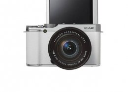 Fujifilm: com visor móvel, X-A2 é a nova câmera dedicada a fãs de selfies.