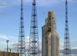 Primeiro satélite brasileiro é lançado ao espaço.
