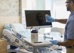 HP lança linha de computadores resistentes a germicidas para hospitais