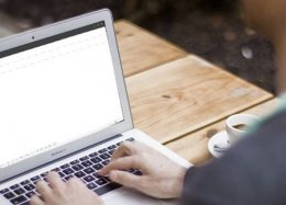 Uso de e-mail deve continuar, mesmo com redes sociais, diz pesquisa.