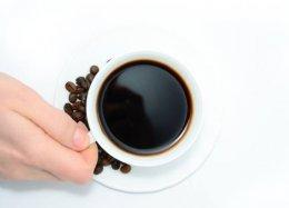Café pode reduzir em até 50% o risco de retorno de câncer de mama, afirma estudo com mais de 1.000 pacientes.